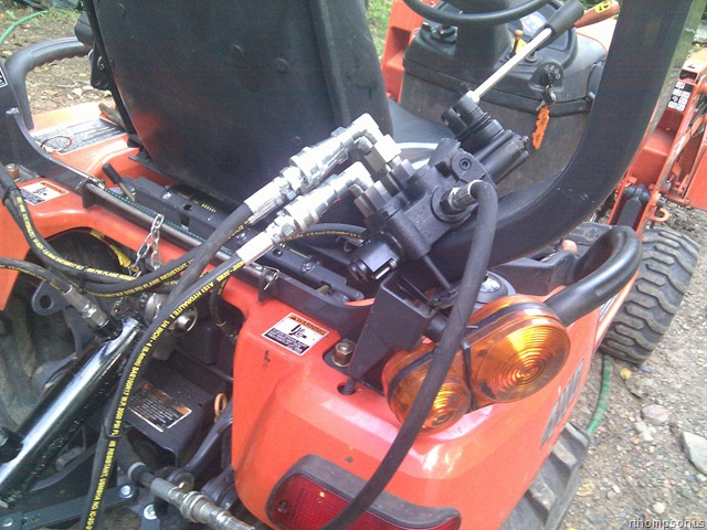 Tractor Hydraulic Remote : Adding rear remotes and top tilt to a bx tractor